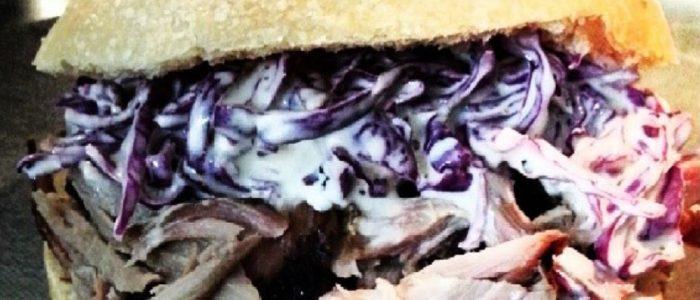 Un cetriolo avvolto in una calza e squirto - 1 part 3