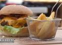 Ricetta hamburger fatti in casa | Come fare l'hamburger alla griglia piu' gordo che esista