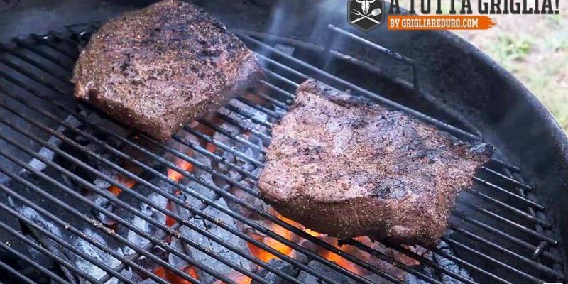 Flat Iron Steak | Cappello del prete alla griglia